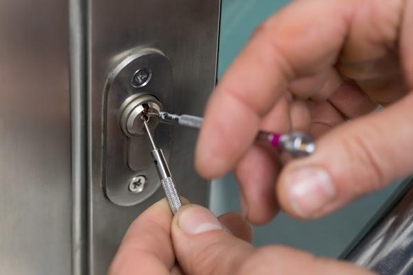 precio cerrajero abrir puerta en coslada